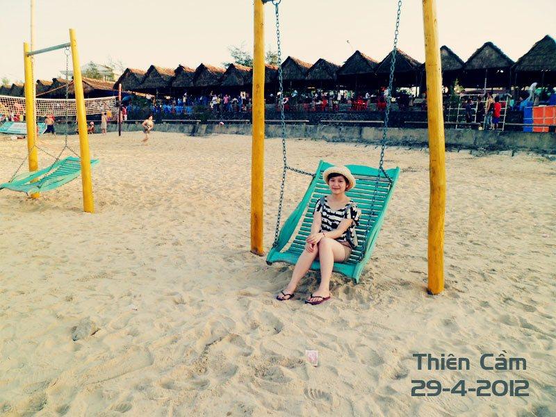 Bãi tắm biển Thiên Cầm